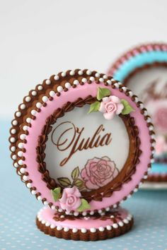 Video Release: How to Make 3-D Cookie Place Cards | Julia Usher | Recipes for a Sweet Life