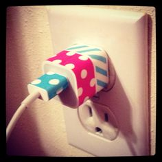 WHY HAVEN'T I THOUGHT OF THIS BEFORE?! We should really try decorating our phone chargers with washi tape. ♥