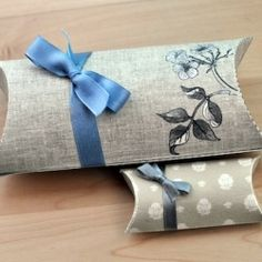 Download free printable pillow gift boxes! They are available in two versions!