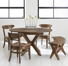 The Vadsco pedestal extension table is made in the USA by Amish Craftsmen. Made to order: choose your size, wood type and finish for a custom look. Dovetail Furniture, Amish Furniture, Round Dinning Room Table, Dining Chairs, Room Chairs, Farmhouse Style Kitchen, Modern Farmhouse Kitchens, Kitchen Styling, Kitchen Decor