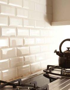 Фотография:  в стиле , Декор, Советы, Ремонт на практике, Уютная квартира, Наталья Преображенская, плитка кабанчик на кухне, плитка кабанчик в ванной, как класть плитку – фото на InMyRoom.ru
