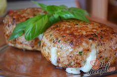 Pork Recipes For those who love Camembert, I have a recipe for meatballs that are c … Mince Recipes, Pork Recipes, Healthy Recipes, Easy Cooking, Cooking Recipes, Yummy World, Czech Recipes, Food Inspiration, Sour Cream