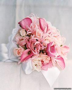 Bukiet ślubny różowy.