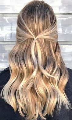 Trendy wedding hairstyles for long hair bridesmaid updo simple 40 ideas Pulled Back Hairstyles, Wedding Hairstyles For Long Hair, Bun Hairstyles, Hair Pulled Back, Bridal Hairstyles, Reverse Ombre Hair, Super Hair, Bridesmaid Hair, Casual Bridesmaid