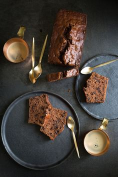 This double chocolate banana bread made my day! #bananabread
