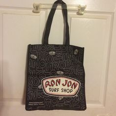 A cute Ron Jon bag This is a cute Ron Jon bag. Ron jon Bags