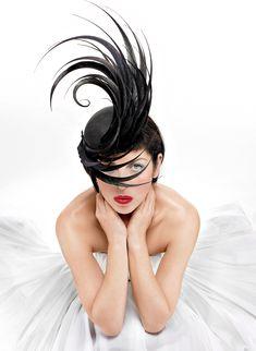 """Blow,"" photographed in a Philip Treacy creation, 2005 | VANITY FAIR | La Beℓℓe ℳystère"
