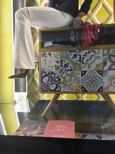 Il nostro diario del #Fuorisalone #Milano #KitonShowroom #UnaVetrinadOnore #RovereMaiolicato #CeramicaFrancescoDeMaio #Kiton #Fashion #Design #Luxury #MilanoDesignWeek #SaloneDelMobile