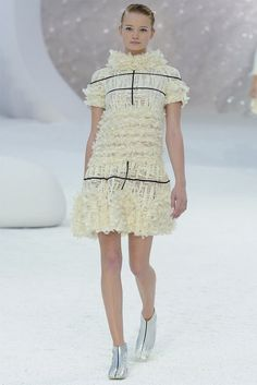 TrendedWeekly: Paris Fashion Week: Chanel S/S 2012
