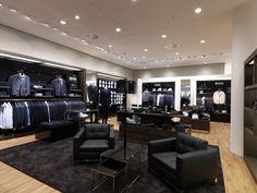 Peek & Cloppenburg, Wien Modegeschäft Design, House Design, Design Ideas, Boutique Interior, Shop Interior Design, Visual Merchandising, Clothing Store Design, Clothing Stores, Luxury Clothing Brands