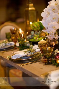 love the themes/colors of the place settings & centerpieces for this engagement party