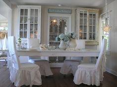 Love my dining room... I love her dining room too. Maybe I am really a coastal person.