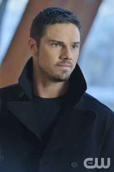 "Beauty and the Beast -- ""About Last Night"" -- Image Number BB216a_0379 – Pictured: Jay Ryan as Vincent - Photo: Ben Mark Holzberg/The CW -- © 2014 The CW Network, LLC. All rights reserved."