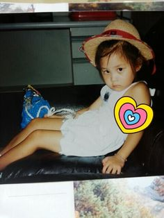 Seohyun : tada~!!!!! who could this little kid be?? this is my childhood pictures! puhaha:D 뾰로통한 서주현 어린이랍니다!ㅎㅎ