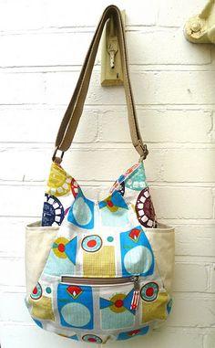 241Tote Bag (Pattern by Anna of Noodlehead) made by Kerry of VeryKerryBerry Diese und weitere Taschen auf www.designertaschen-shops.de entdecken