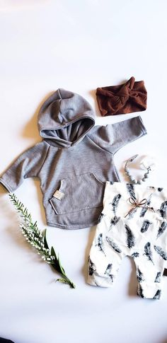 Baby Girl Fall Outfits, Baby Girl Fashion, Girl Outfits, Modern Baby Clothes, Baby Girl Sweaters, Best Baby Shower Gifts, Take Home Outfit, Fall Clothes, Girl Falling