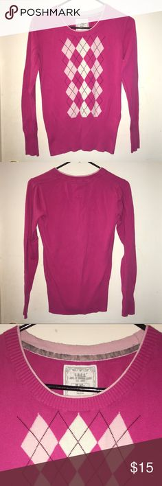 """L.O.G.G by H&M Girls Pink Diamond Crew Sweater L.O.G.G by H&M Girls Pink Sweater! In great Shape except some Pilling & there is a snag on the front, see last photo. See Pictures for Details. Tag says 14Y+, aim assuming it's a Large. I am including Measurements, Please make sure this will fit before purchasing. Laying Flat Unstretched: Armpit to Armpit 17"""". Length from Shoulder to Hem is 23 1/2"""". 🌹 Don't forget to look at my other items! 💕Bundle & $ave💕 If over 5 lbs, Extra Shipping Fees…"""