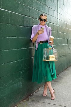 lilac & green // color combinations (Nordstrom cableknit sweater + Tibi pleated crop top + H&M pleated skirt + Schutz strappy sandals + Loeil 'besse' clear bag + Bauble Bar phone case + Saint Laurent sunnies) Green Skirt Outfits, Green Pleated Skirt, Midi Skirt Outfit, Dress Skirt, Green Outfits For Women, Long Green Skirt, Green Dress Outfit, Pleated Skirts, Outfit Summer
