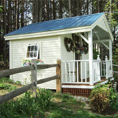 Hillside garden shed with porch. I love the covered porch so, when it' raining, working in the garden shed is a bit easier. House Ideas, Garden Cottage, Home And Garden, Porch Garden, Moon Garden, Big Garden, Cottage House, Shed Playhouse, Painted Shed