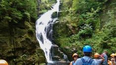 Krkonoše skrývají mnoho krásných vodopádů, na obou stranách hranice