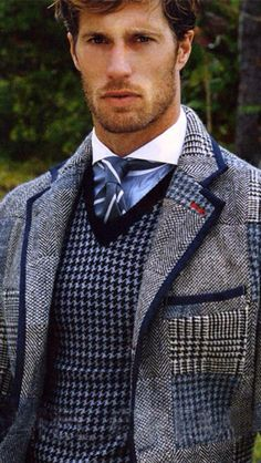 der Shop für den Gentleman www. Der Gentleman, Gentleman Style, Dandy, La Mode Masculine, Country Dresses, Suit And Tie, Well Dressed Men, Stylish Men, Men Casual
