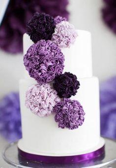 Shaded of Purple sugar flowers on a fondant wedding cake Gorgeous Cakes, Pretty Cakes, Amazing Cakes, Purple Cakes, Purple Wedding Cakes, Cake Wedding, Gold Wedding, Wedding Colors, Purple Party