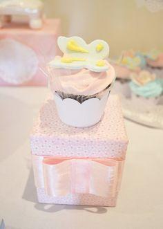 Caixinha , cupcake, borboleta
