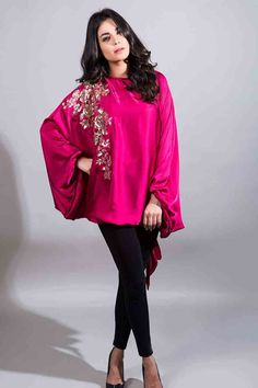 new party wear shocking pink cape with embroidery and black pants latest maria b fancy party wear eid dresses 2017 with price for girls Pakistani Party Wear Dresses, Casual Party Dresses, Pakistani Dress Design, Pakistani Outfits, Formal Dresses, Indian Designer Outfits, Designer Dresses, Designer Wear, New Party Wear Dress