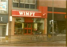 Wimpy Bars - It was such a treat to go in these in the Anyone remember scampi fritters? Or did I imagine them? I remember cheese burgers on Fridays after school. 1980s Childhood, My Childhood Memories, Great Memories, Knickerbocker Glory, Wimpy, My Youth, The Good Old Days, Leeds, Old Things