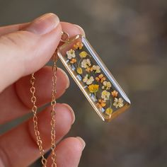 Scatter Bar Necklace in Gold-fill Epoxy Resin Art, Diy Resin Art, Diy Resin Crafts, Uv Resin, Cute Jewelry, Diy Jewelry, Handmade Jewelry, Jewelry Design, Jewelry Making