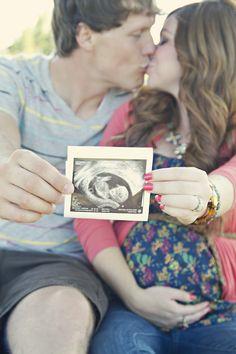 Such a cute maternity shot. <3