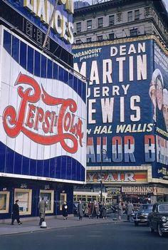 Pepsi-Cola, retro vintage New York City, Clock Vintage, Vintage Signs, Vintage New York, Retro Vintage, Empire State Of Mind, Empire State Building, Old Photos, Vintage Photos, New York City