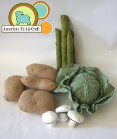 EAT YOUR VEGGIES 12 Piece Wool Blend Felt Food Vegetables set, Potatoes, Mushrooms, Cabbage, Asparagus