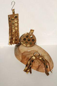 golden polkadot keychain collection #polkadot #metallic #gold #leather #fray