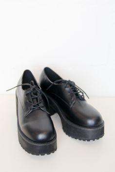 Leather Chunky Heel Brogue Black http://www.thewhitepepper.com/products/leather-chunky-heel-brogue-black