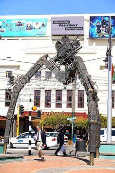 Tripod-Wellington Film Industry Tribute sculpture, 6 metre Robot of Doom by Weta Workshop in Courtenay Place opposite the Embassy Theatre, Wellington, Wellington City District, Wellington Region, New Zealand (NZ).