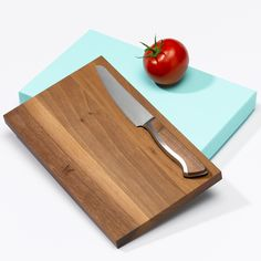 caminada-steakmesser-tiffany-welt-der-messer Cutting Board, Tiffany, Steak, Blacksmithing, Wooden Platters, Knives, World, Projects, Cutting Tables