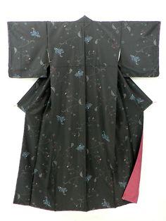 Black Komon, Dark Flower Pattern / 黒地 ほっそり控えめな花柄 化繊小紋   #Kimono #Japan http://www.rakuten.co.jp/aiyama/