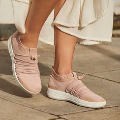 Up to Off + Extra Off Womens Shoes & Boots @ FitFlop - iSaveToday Sensible Shoes, Earth Shoes, Fitflop, Pretty Shoes, Shoe Boots, Women's Shoes, Comfortable Shoes, Sneakers Fashion, Happy