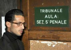 Il dado è tratto: Fabrizio Corona non andrà in carcere, ma potrà usufruire dell'affidamento ai servizi sociali. #FabrizioCorona #scandalo