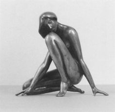 black - woman - Karola (Kniende)  - figurative sculpture - Karl Heinz Krause