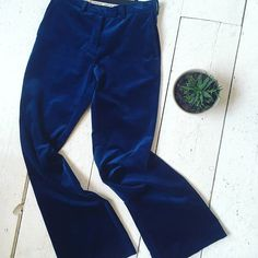 Baum und Pferdgarten velvet pants [size 36] #kolifleur #scandinavian #sustainablefashion #bluevelvet  by @ninabrigitte