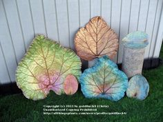 Would love to make these for bird baths!  Great idea to mound sand under the leaves to create the concave shape.