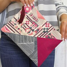 The Indie Clutch by @patbravodesign is the perfect add-on to your ensemble. Follow Pat's tutorial on #weallsew and create this stunning clutch and elevate your accessory game! #quilting #clutch #bohemian #ontheblog