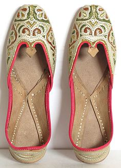 old indian style footware whatsaap 8054341914 @raja_cloth