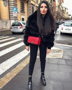 Pin by Sasha Cos on Winter-Autumn outfit in 2019 Pastel Outfit, Winter Looks, Trendy Outfits, Fashion Outfits, Womens Fashion, Jackets Fashion, Fall Winter Outfits, Autumn Winter Fashion, Fur Coat Outfit