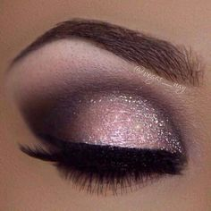 make up guide I love this pink smoky eye make up! Its gorgeous! make up glitter;make up brushes guide;make up samples; Makeup Hacks, Makeup Goals, Makeup Tips, Makeup Ideas, Makeup Tutorials, Makeup Inspo, Makeup Trends, Makeup Geek, Eyeshadow Tutorials