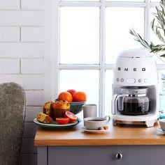 Drip Filter Coffee, Filter Coffee Machine, Drip Coffee, Smeg Kitchen, Kitchen Appliances, Italian Coffee Maker, Fresh Coffee, Kitchen Essentials, Personal Taste