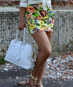 Floral print, florals, skirt, outfit, summer, white, basic http://blogalinapop.wordpress.com