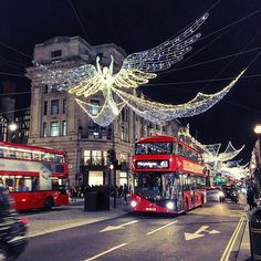 #London all lit up for #Christmas. #happyplace #regentstreet #ldn #angels #vaycay